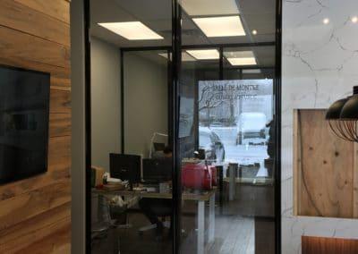 portes coulissantes de bureau avec verre transparent trempé