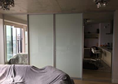 portes coulissantes separateurs avec verre blanc et miroirs
